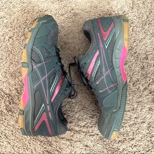 ASICS Size 11 Tennis Volleyball Running Shoes